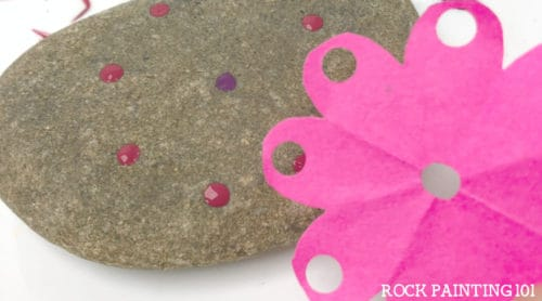 Mandala rock painting. This hack is perfect for beginners.
