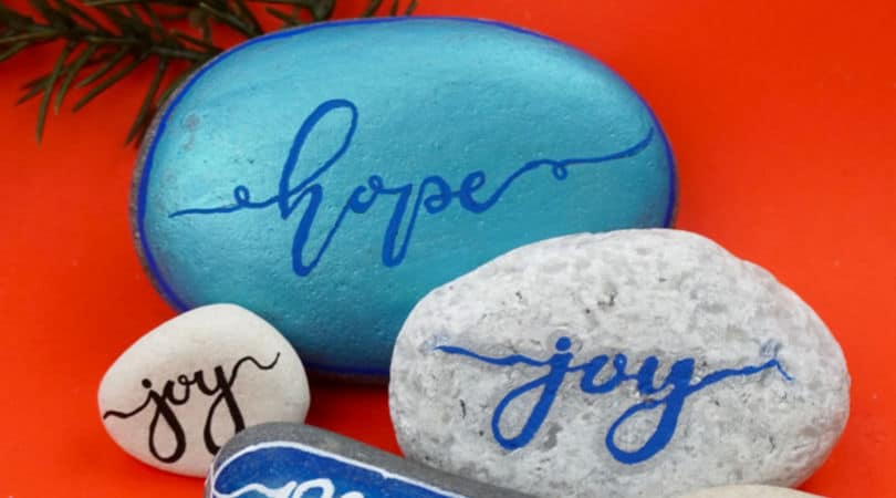 5 tips to start hand lettering on painted rocks