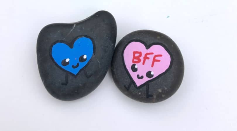 How to draw smiling hearts to make fun painted rocks