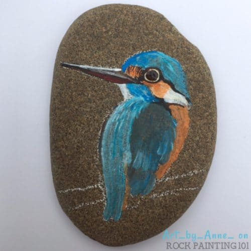 How to paint realistic feathers to create a beautiful bird rock.